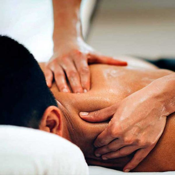 Massaggi a Domicilio Milano   Centro Massaggi Milano e Trattamenti Viso Milano Loreto   immagine corso massaggio decontratturante