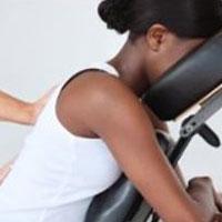 Centro Massaggi Milano e Trattamenti Viso Milano Loreto | BelCoral | immagine Massaggio su Sedia Ergonomica